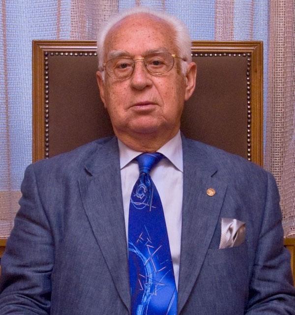 Ο κ. Χρήστος Μανέας, από φωτογραφία συνημμένη σε δελτίο τύπου του ΑΠΘ της 14/10/2011