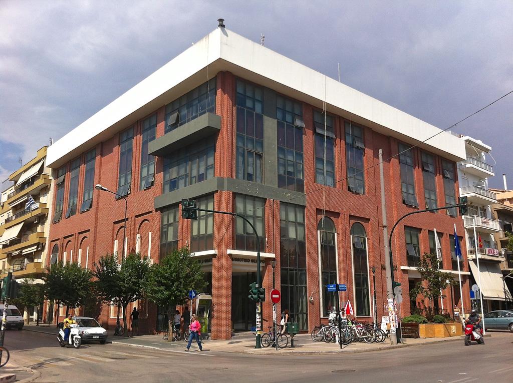 Νέα όψη στο δημαρχιακό μέγαρο (Τετάρτη 19/9/2012)