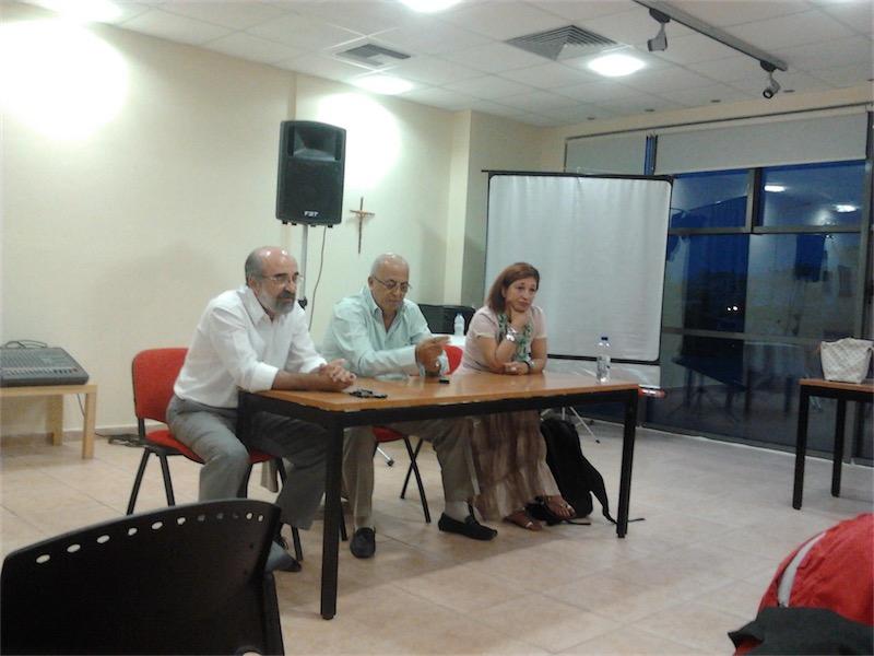 Ενημέρωση Συλλόγων για τη Γιορτή Κρασιού (κ. Αγγελινά μαζί με δήμαρχο Αλεξανδρούπολης κ. Λαμπάκη και πρόεδρο ΤΙΕΔΑ κ. Μαυρίδη, προφίλ Facebook κ. Αγγελινά, 20/9/2013)