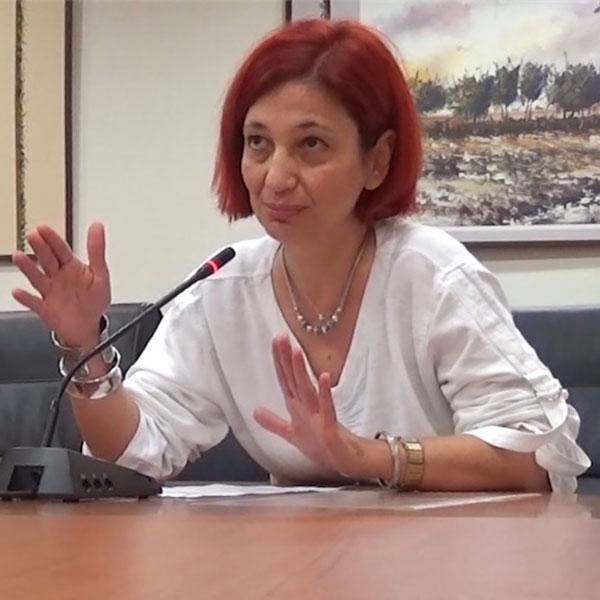 Η σύμβουλος του δημάρχου κ. Γεωργία Αγγελινά στη συνεδρίαση της Δημοτικής Κοινότητας Αλεξανδρούπολης της 15/10/2014 στις 18:44