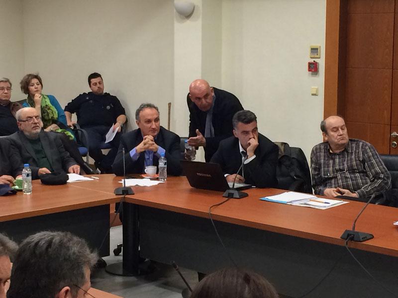 """Ο κ. Λασκαράκης, αριστερά, και οι κ.κ. Τζανίδης (""""αλλάΖΟΥΜΕ τώρα"""") και Γιαννόπουλος (""""Ν.Ε.Ο.Ι. Άνθρωποι"""") στο Δημοτικό Συμβούλιο της 18/3/2015 - Παρουσίαση Α' Φάσης Κυκλοφοριακής Μελέτης από την κ. Διαμαντίδου και τον κ. Βόσκογλου"""