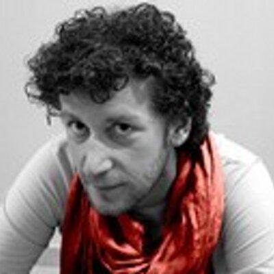 Ο δημοσιογράφος Θανάσης Τσολάκης (a.k.a. Τυπάκος) γράφει τις Ιστορίες του Τυπάκου (σκέψεις, απόψεις και προβληματισμούς στο άπειρο του Διαδικτύου)