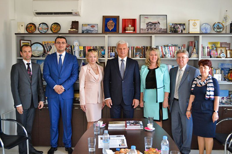Επίσκεψη ρωσικής αντιπροσωπείας από την συνοικία του Βίμπορσκι στην Αγία Πετρούπολη