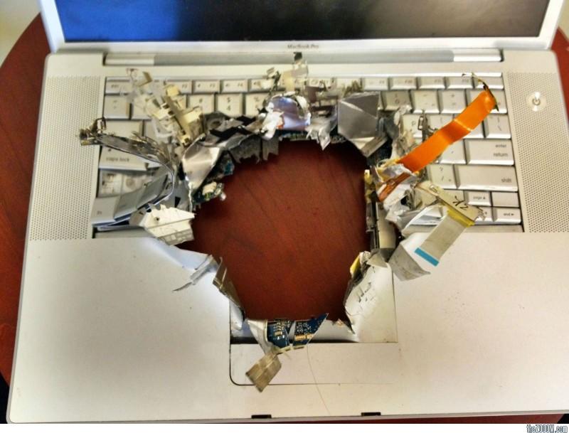 """Αποκλειστικό! Καταστράφηκε λάπτοπ της γραμματείας του ΔΣ από """"επικίνδυνα"""" αρχεία!"""