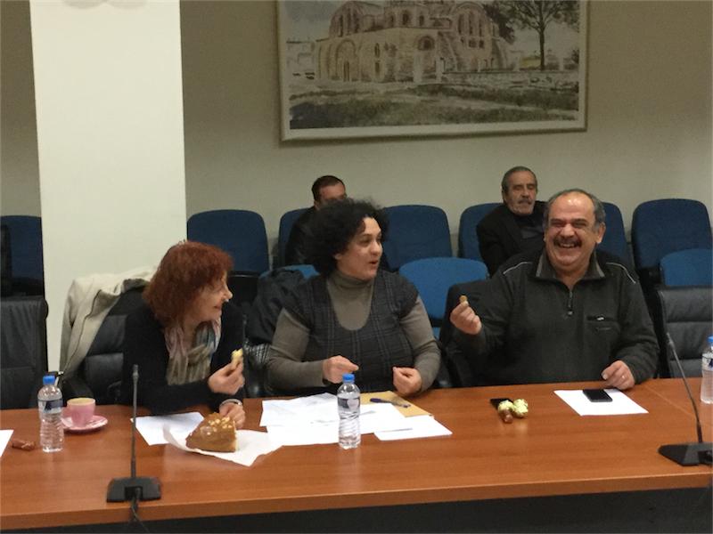 Το φλουρί της πίτας του 1ου ΔΣ του 2016 στον επικεφαλής της Λαϊκής Συσπείρωσης κ. Σάββα Δευτεραίο (8/1/2016 18:19)