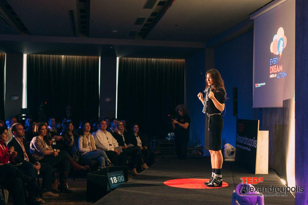 Kική Τσακαλδήμη (παρουσιάστρια και ψυχή του TEDx Alexandroupolis 13/2/2016)