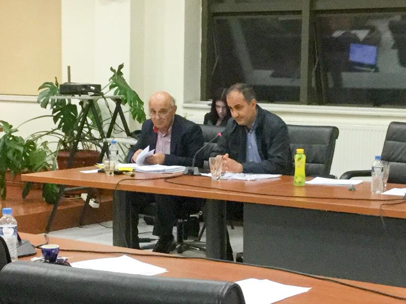 Ο αντιδήμαρχος κ. Παντελίδης και ο κ. Γρηγοριάδης Στέφανος στο 9ο τακτικό ΔΣ της 20/04/2016 στις 21:22